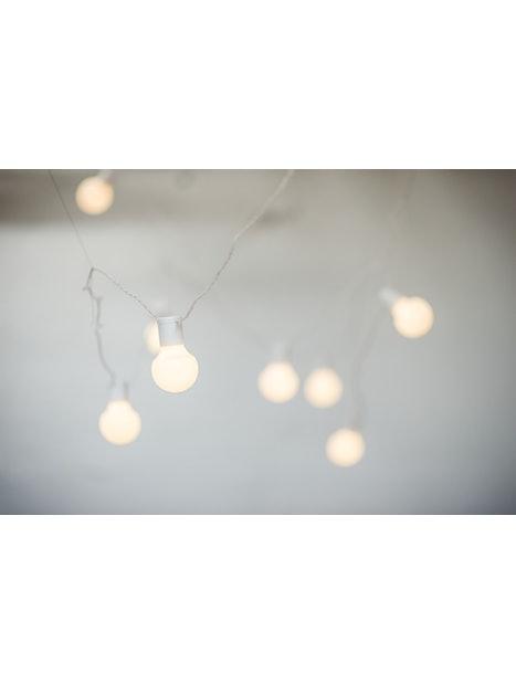 LED-LAMPPUSARJA AIRAM AVON 4,05M VALKOINEN SISÄ- JA ULKOKÄYTTÖÖN