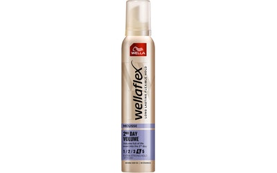 Wellaflex muotovaahto 200ml 2nd Day Volume Extra Strong