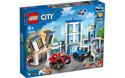 Lego City Police 60246 Poliisiasema - kuva