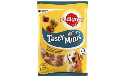 Pedigree Tasty Bites 130g Chewy Cubes sis kanaa, täydennysrehua aikuisille koirille