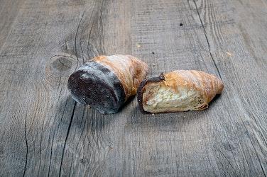 Reuter täytetty iso kermasuklaacroissant 30x60g kypsäpakaste