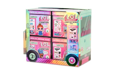 L.O.L. Surprise Furniture with Doll w1