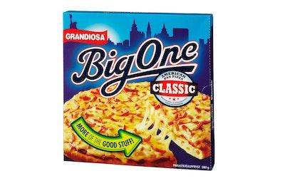Grandiosa Pan Pizza Classic, Mozzarella- ja Cheddarjuustoa, tomaattikastiketta ja naudanlihaa 580g