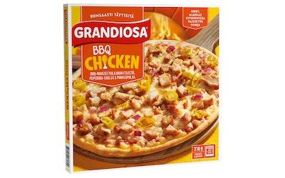 Grandiosa 310g BBQ chicken kiviuunipizza, kanaa fileestä, jalapenoa ja punasipulia