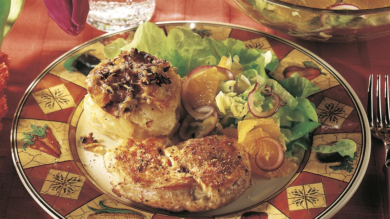 Kalkkunapihvit ja peruna-kaalivuoka