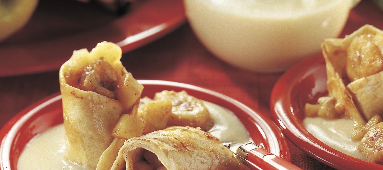 Omenatortillat ja vaahterasiirappi-vaniljakastike