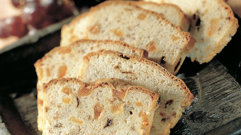 Hedelmäinen leipä