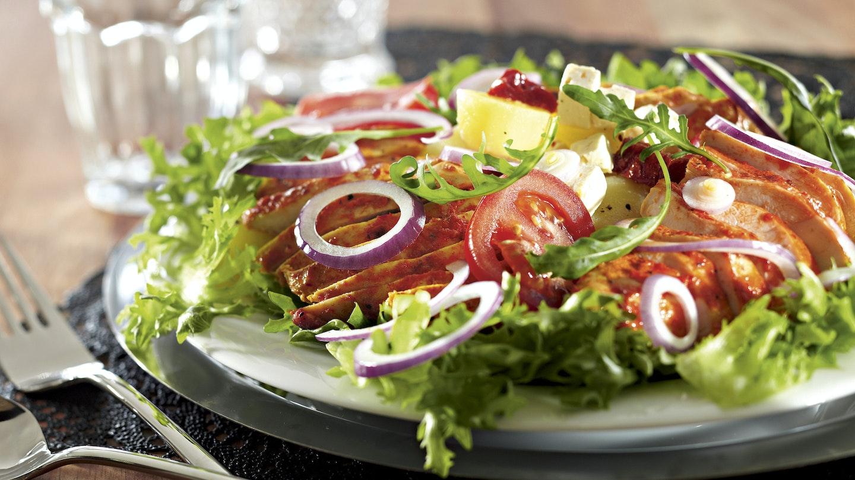 Ruokaisa broileri-perunasalaatti