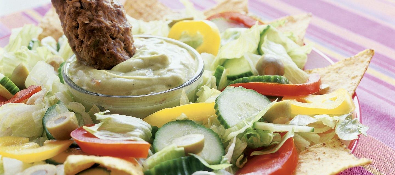 Texmex-jauhelihakebakot ja nachosalaatti
