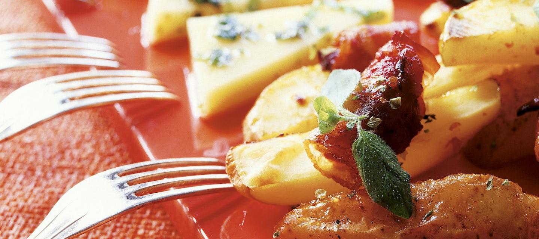 Hunaja-yrttimarinoitu juusto