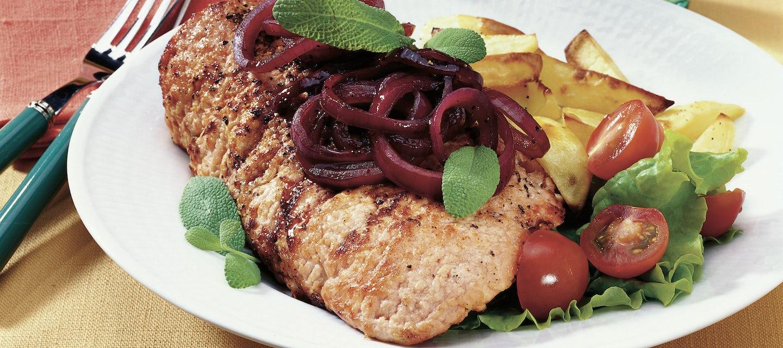 Porsaanlehtipihvejä ja punaviinisipulia