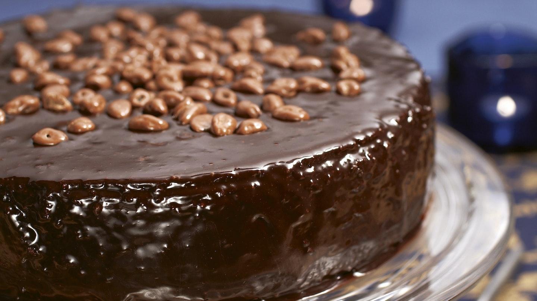 Luumu-suklaakakku