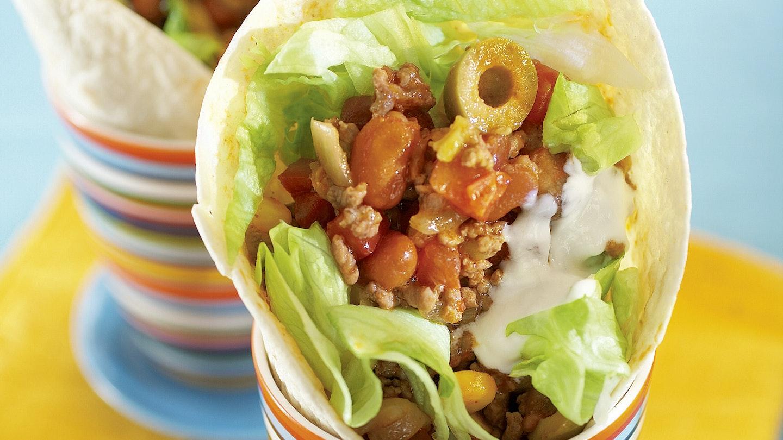 Värikkäät chili con carne -tortillat