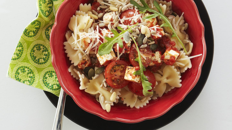 Nopea tomaatti-fetapasta