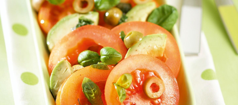 Avokado-tomaattisalaatti