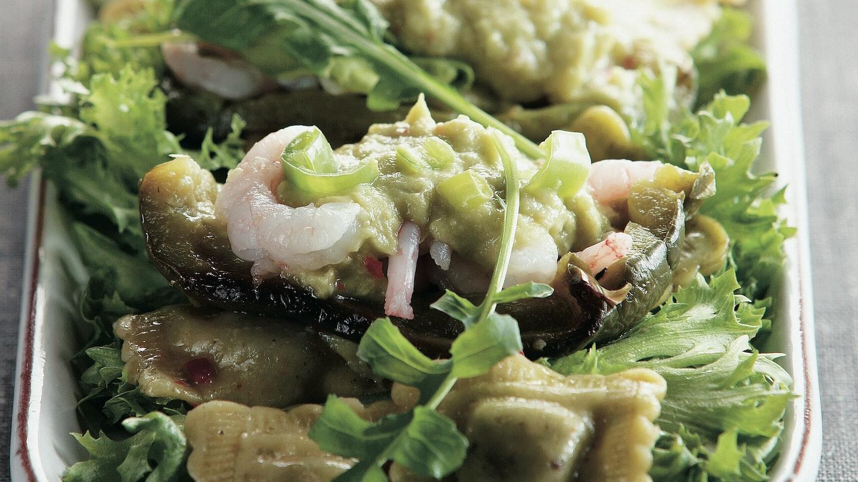 Avokado-katkarapu-pastasalaatti