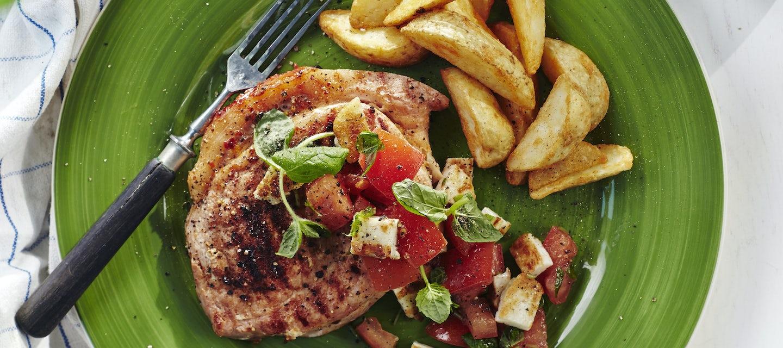 Possun ulkofileepihvit ja halloumi-tomaattisalsa