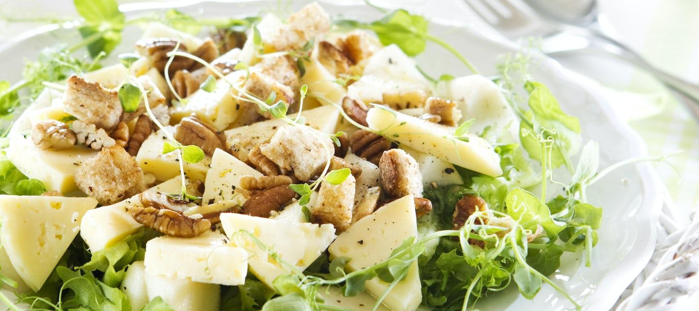 Juusto-päärynäsalaatti