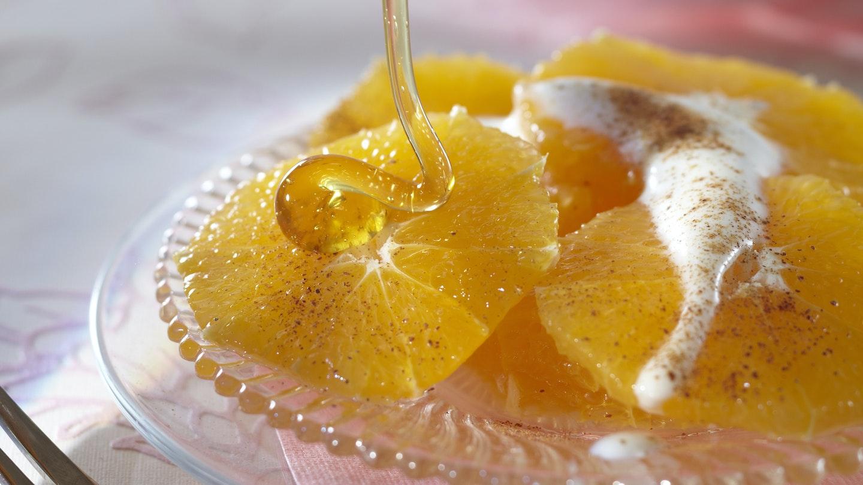 Kaneli-appelsiinit ja hunaja-jogurtti