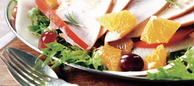 Kalkkuna-appelsiinisalaatti