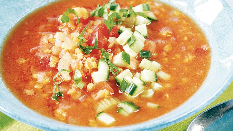Tomaattinen linssi-kasviskeitto