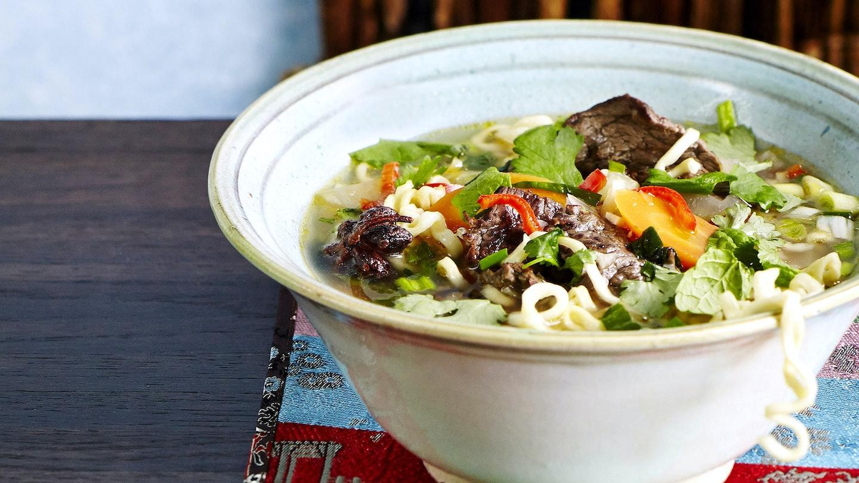 Vietnamilainen pho-keitto