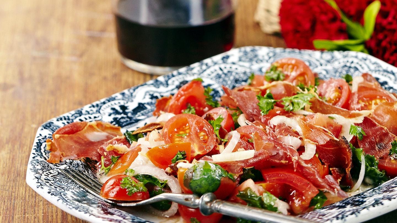 Espanjalainen tomaattisalaatti