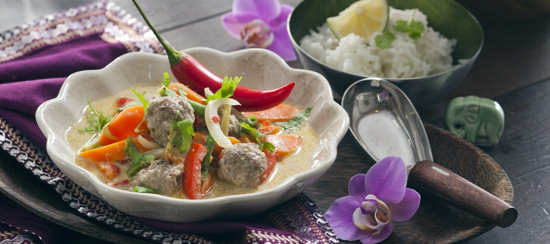 Thaimaalainen lihapullacurry