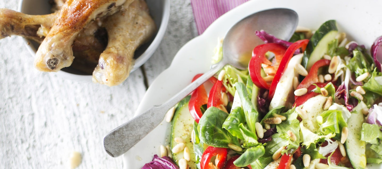 Suippopaprika-mozzarellasalaatti