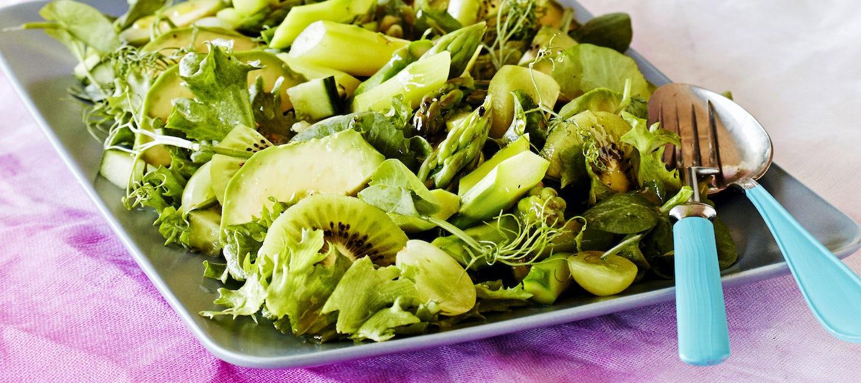 Vihreä parsasalaatti