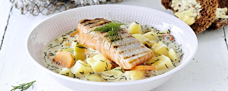 Kalakeitto grillatusta lohesta