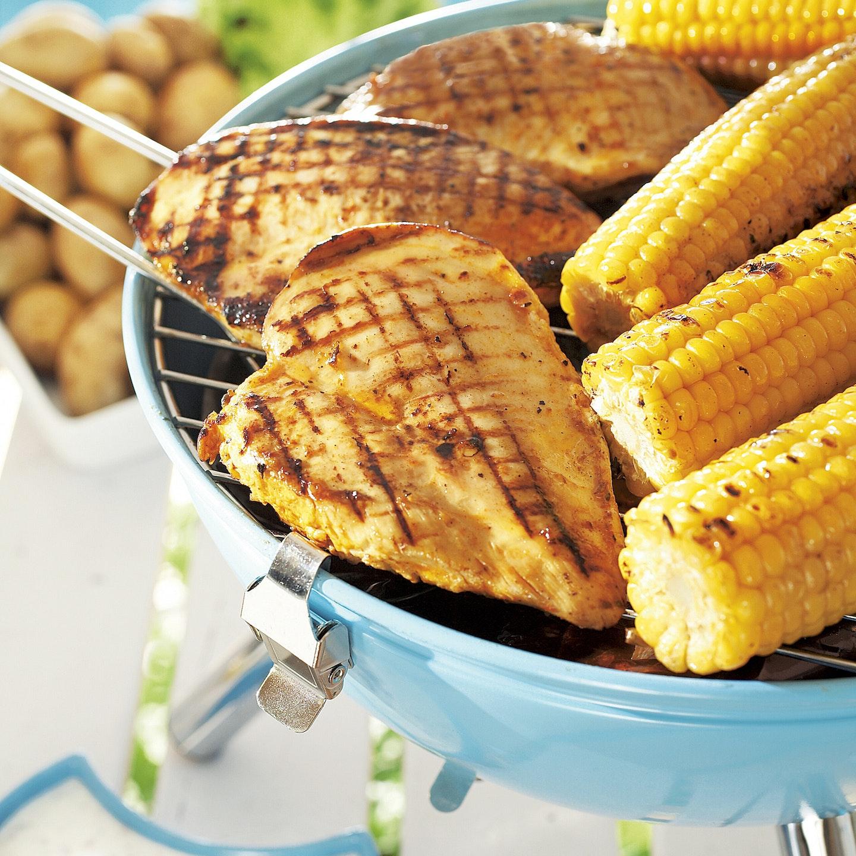 Broileri ja grillattu maissi