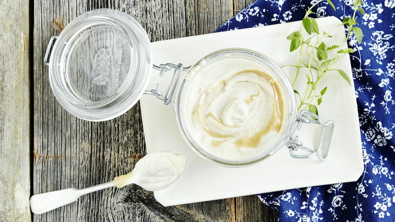Tahini-jogurttikastike