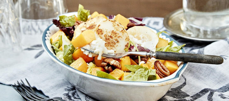 Vuohenjuusto-kurpitsasalaatti