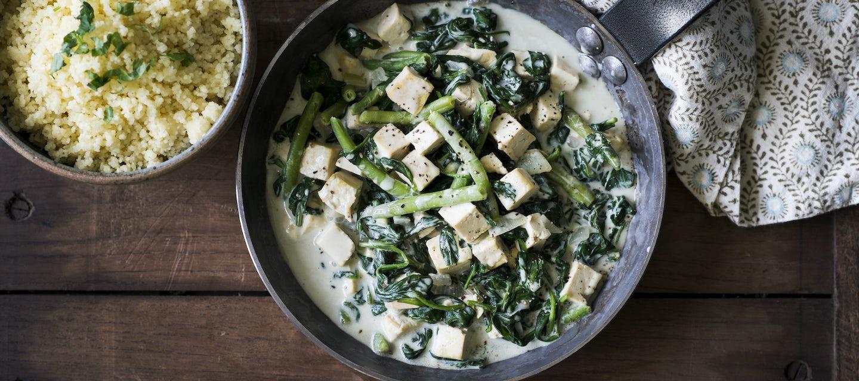 Vihreä pinaatti-tofukastike