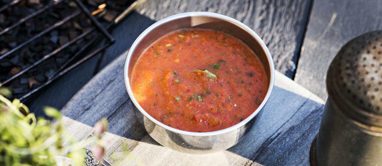 Savuinen tomaattikastike