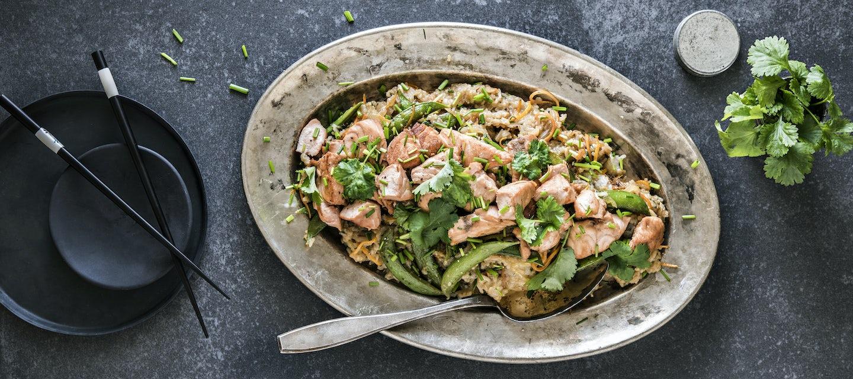 Teriyakilohta ja paistettua riisiä