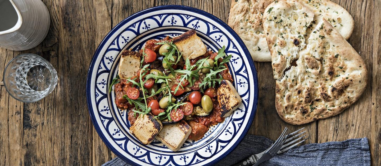 Marokkolainen grillijuustosalaatti
