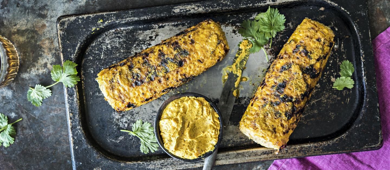 Grillatut maissit ja curryvoi