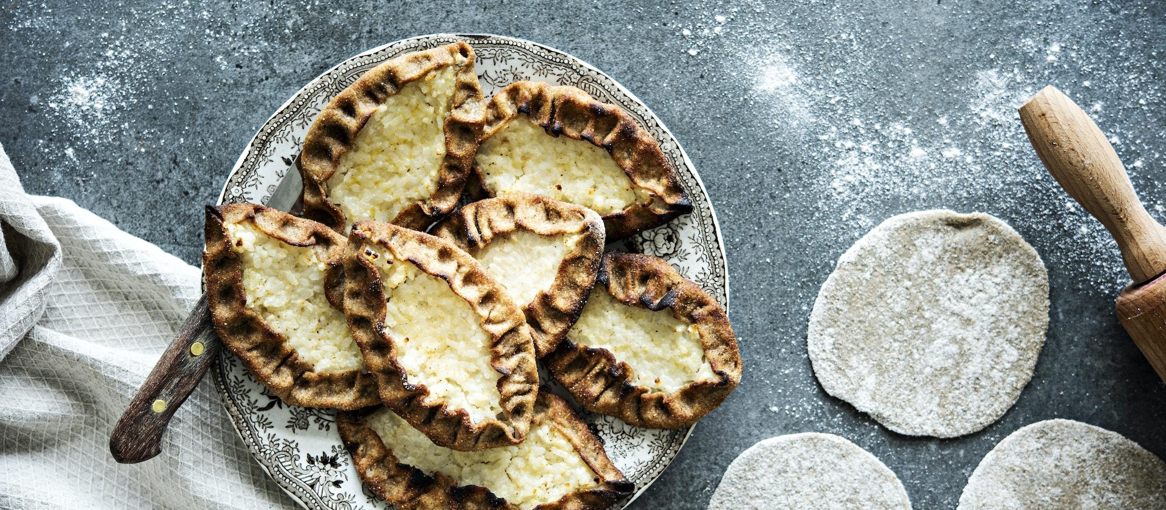 Vegaaniset karjalanpiirakat | Suolaiset leivonnaiset | Reseptit – K-Ruoka