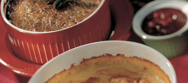 Imelletty kardemumma-perunalaatikko