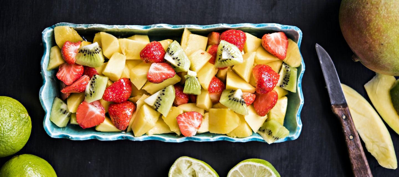 Helppo hedelmäsalaatti