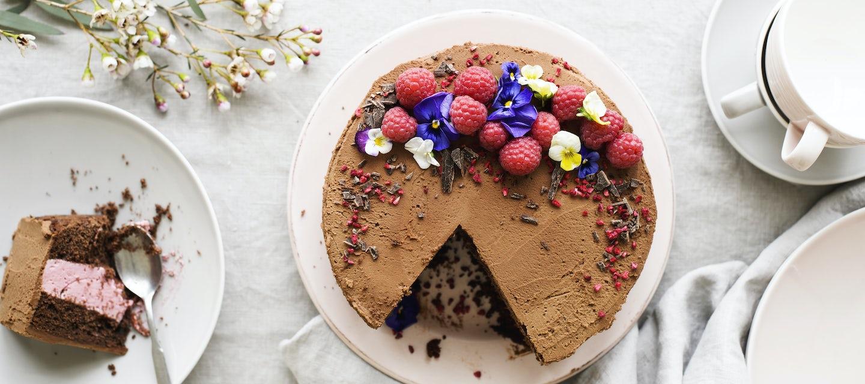 Vadelma-suklaakakku