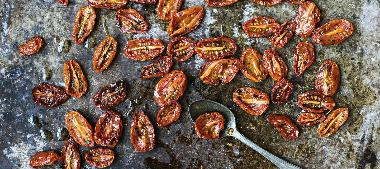 Uunikuivatut tomaatit