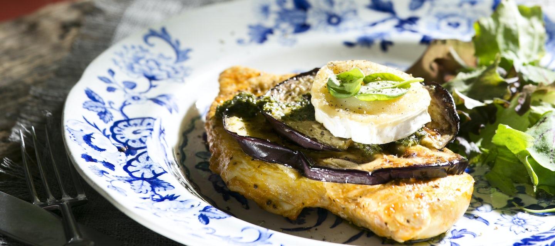 Pesto-munakoisot ja broilerinfileepihvit