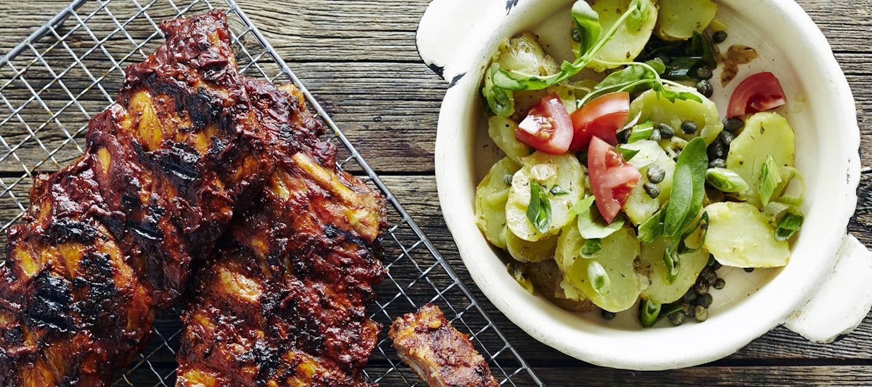 Perunasalaatti ja helpot grilliribsit