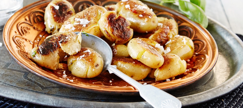 Grillatut uudet perunat