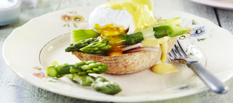 Eggs Benedict eli Benedictin munat