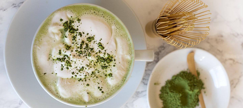 Kookos-matcha-latte