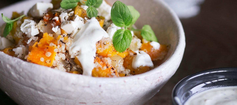 Kurpitsa-kvinoasalaatti